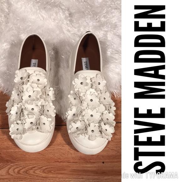 3005a744917 NEW Steve Madden Lailani Flower Slip On Sneaker